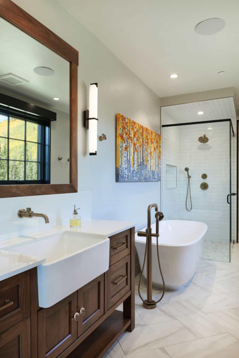 rustic-barn-style-bathroom