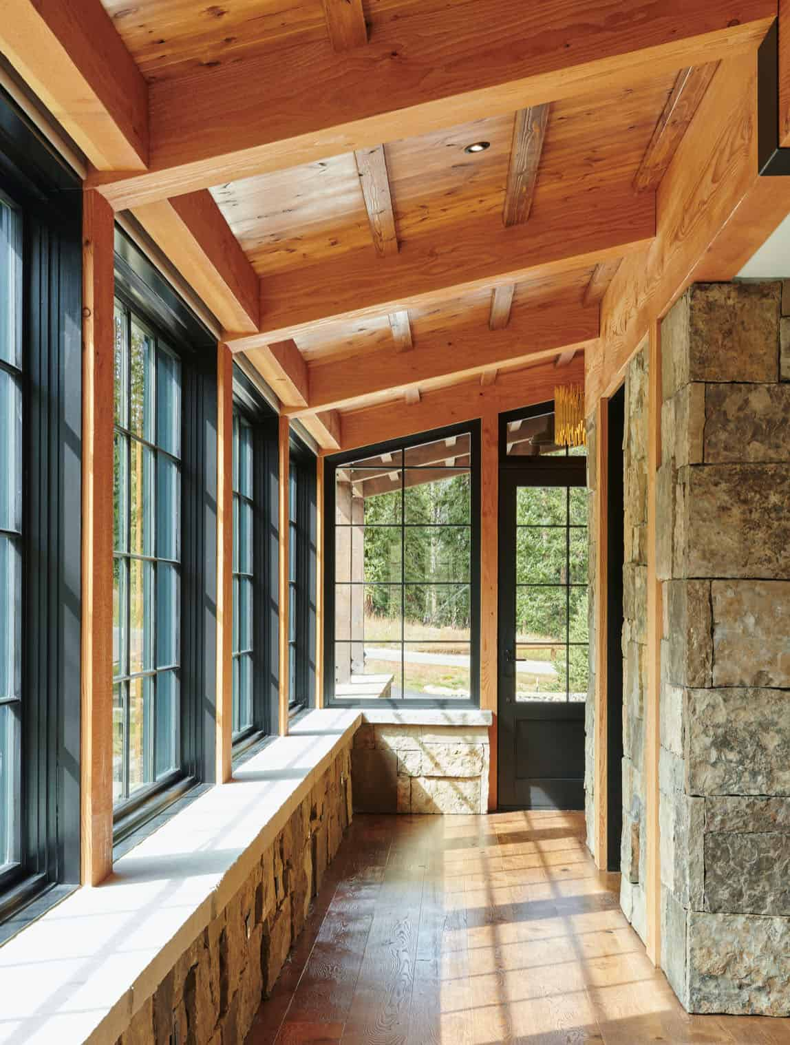 rustic-barn-inspired-home-entry