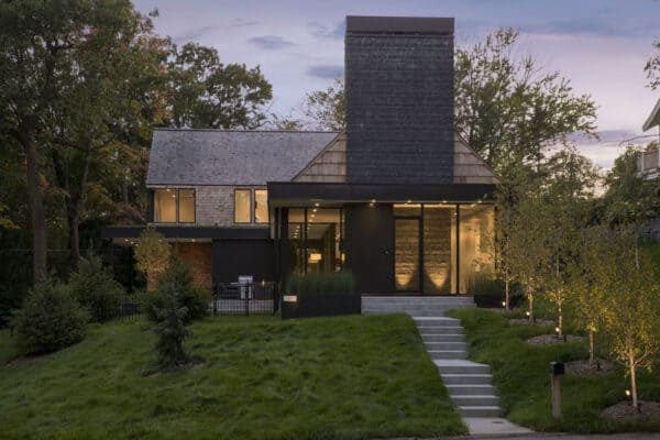 featured posts image for Organic modern home boasts inviting warmth on woodsy Midwest property