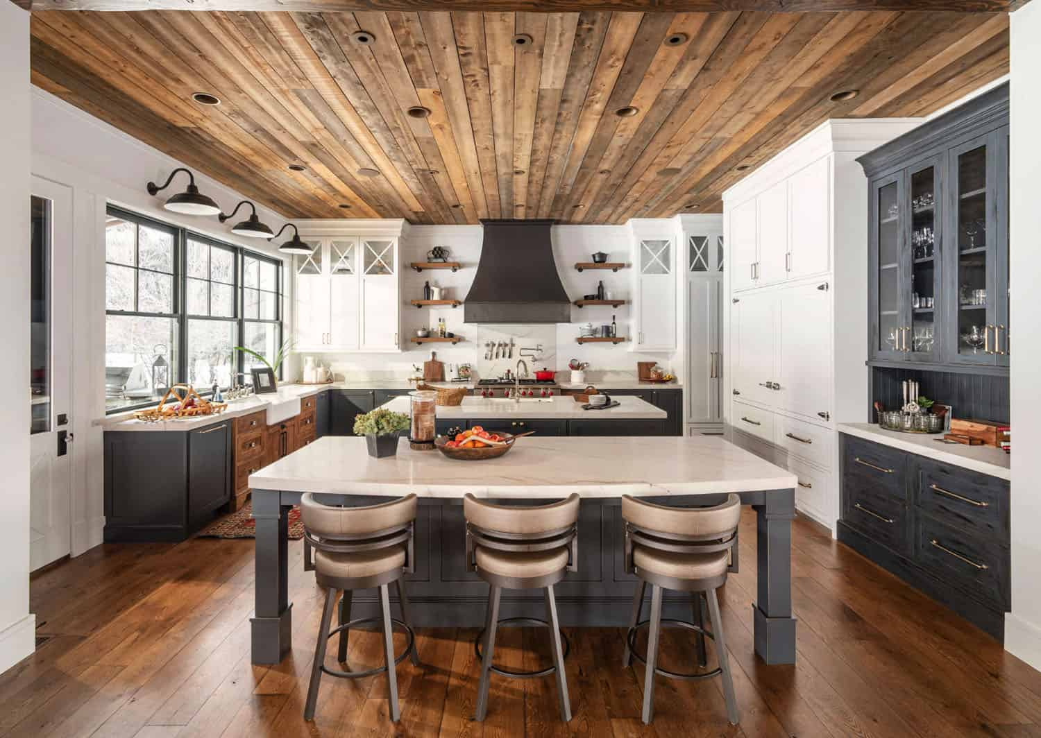 Tour a farmhouse mountain home boasting jaw-dropping details in Utah