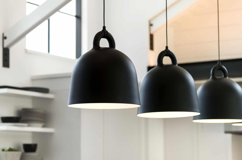 modern-farmhouse-kitchen-pendant-detail