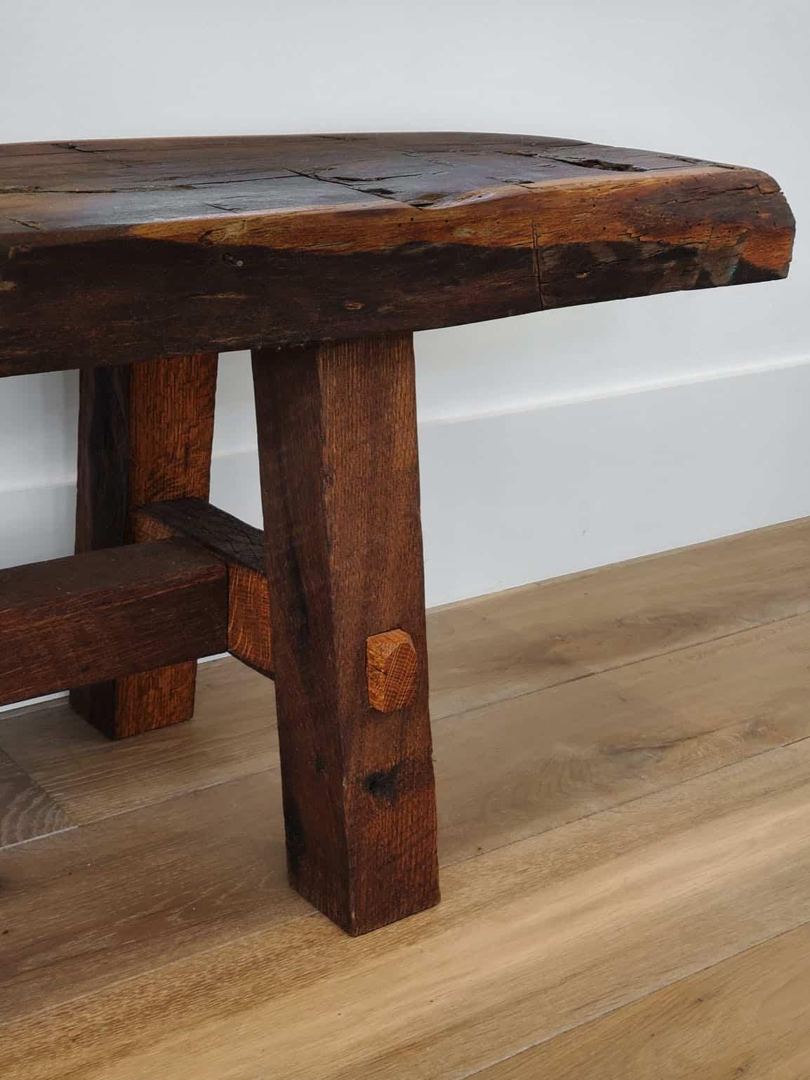 modern-farmhouse-living-room-bench-detail