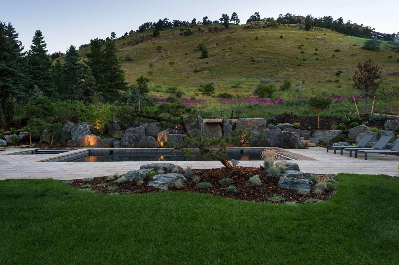 modern-farmhouse-exterior-landscape