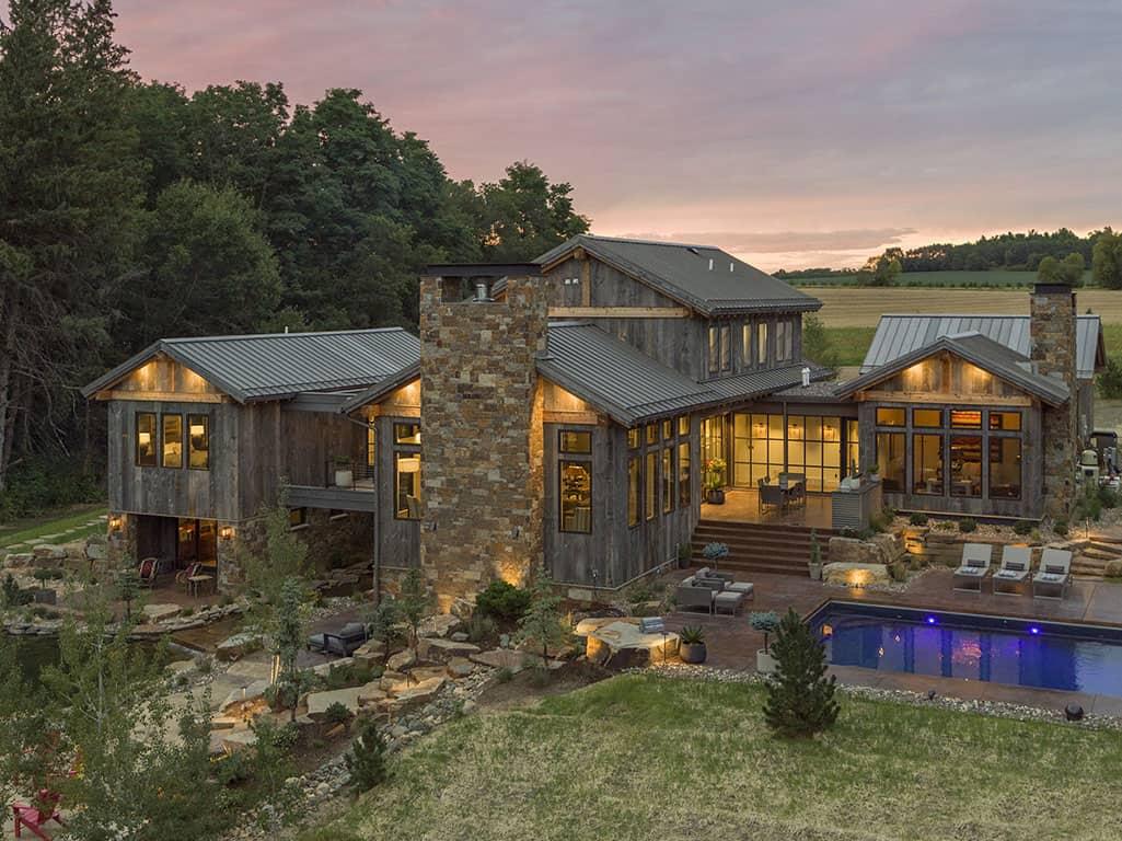 rustic-contemporary-home-exterior