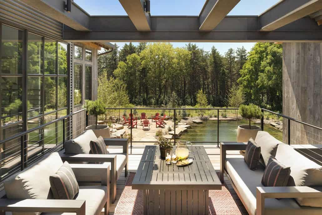 rustic-contemporary-balcony