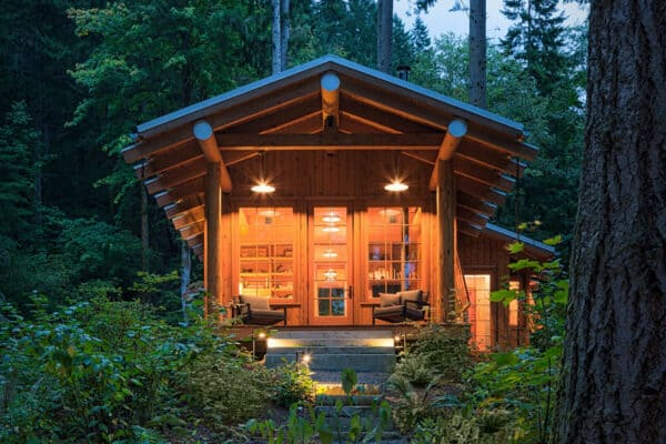 featured posts image for Timber-frame cabin provides cozy refuge in the woods of Washington