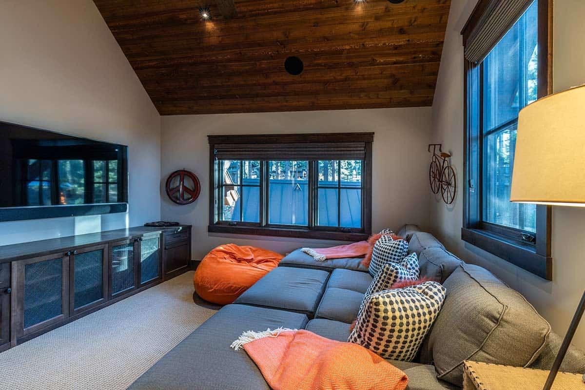 mountain-contemporary-family-room