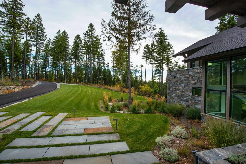 mountain-modern-rustic-home-exterior