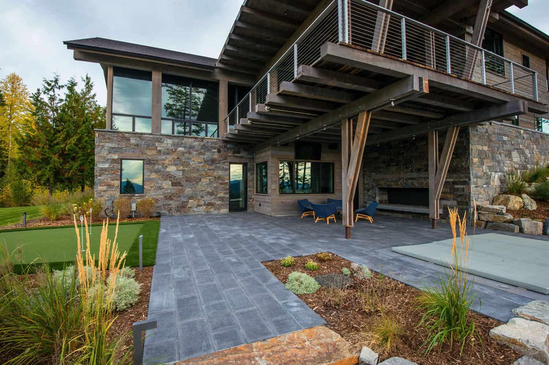 mountain-modern-rustic-home-patio