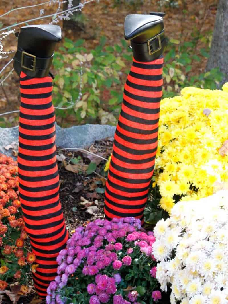 diy-wicked-witch-legs-garden