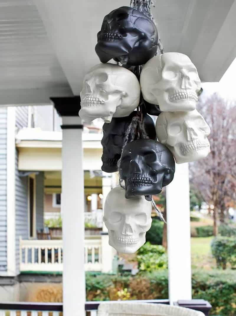 creepy-hanging-skulls