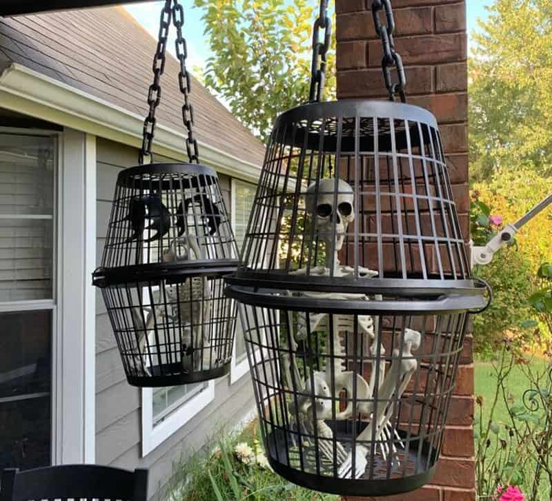 halloween-cage-hanging-props