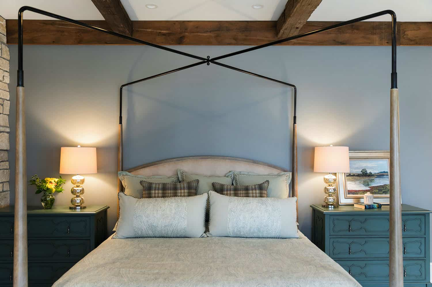 farmhouse-traditional-bedroom