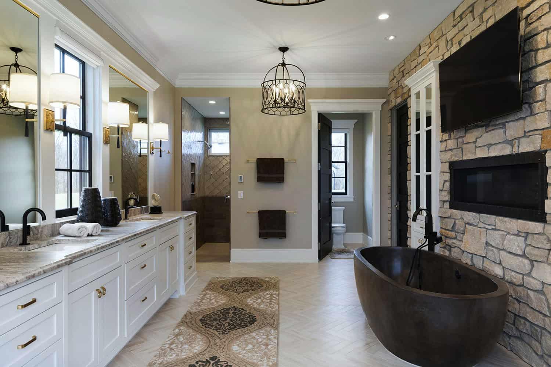 farmhouse-traditional-bathroom