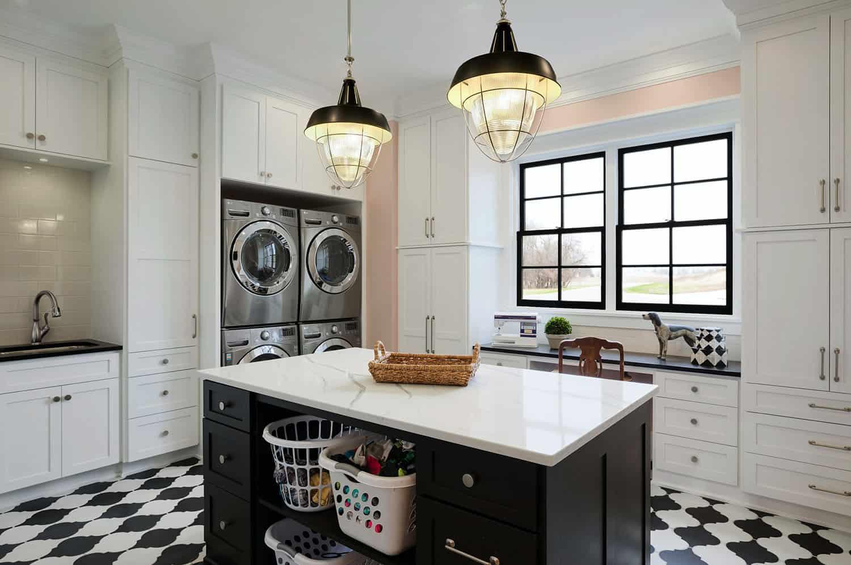 farmhouse-traditional-utility-room