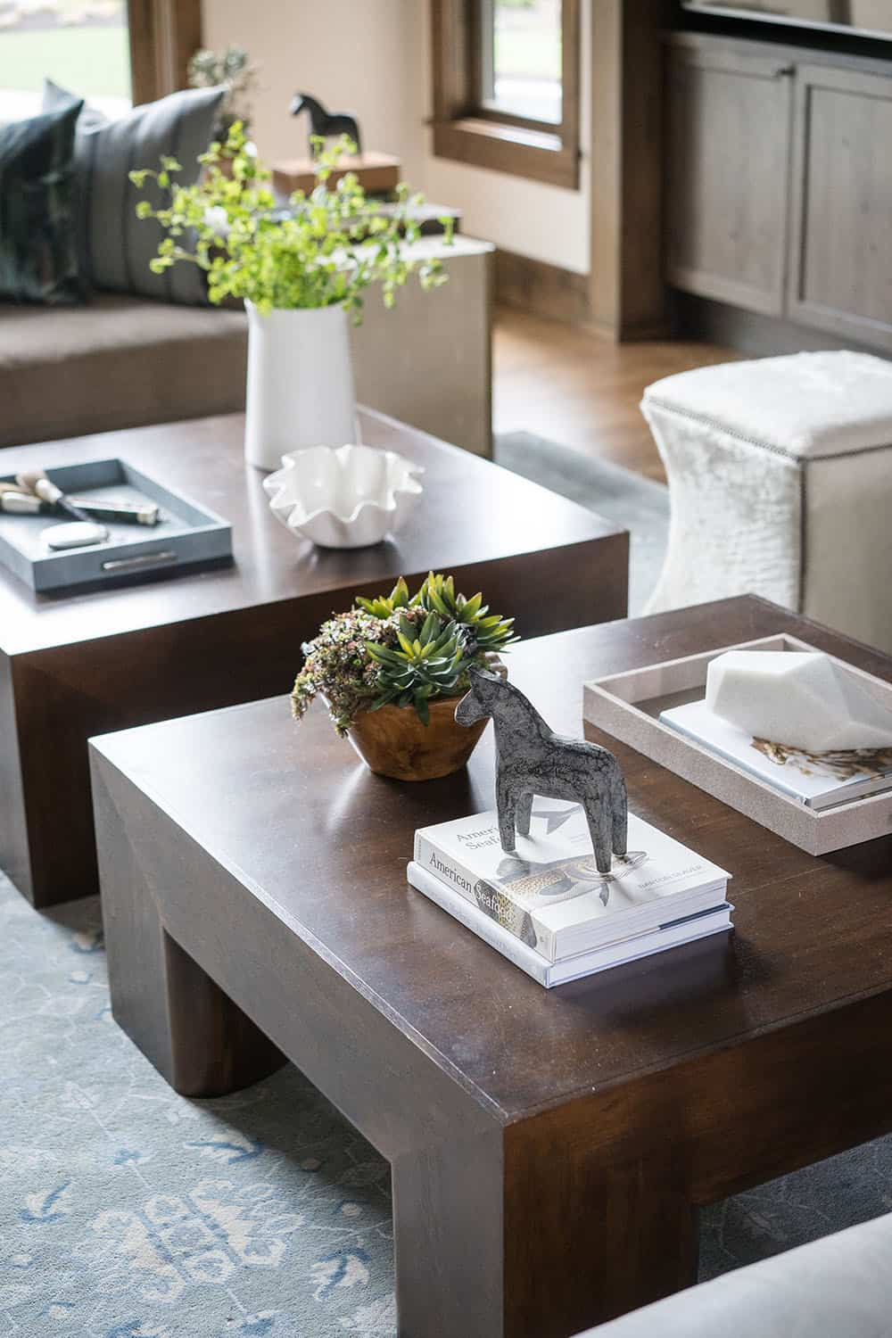 lodge-style-living-room-coffee-table