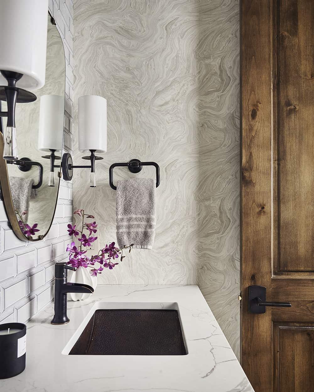 lodge-style-powder-bath