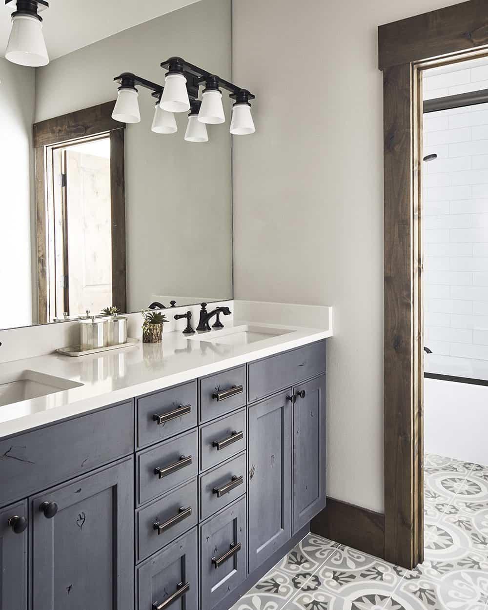 lodge-style-bathroom