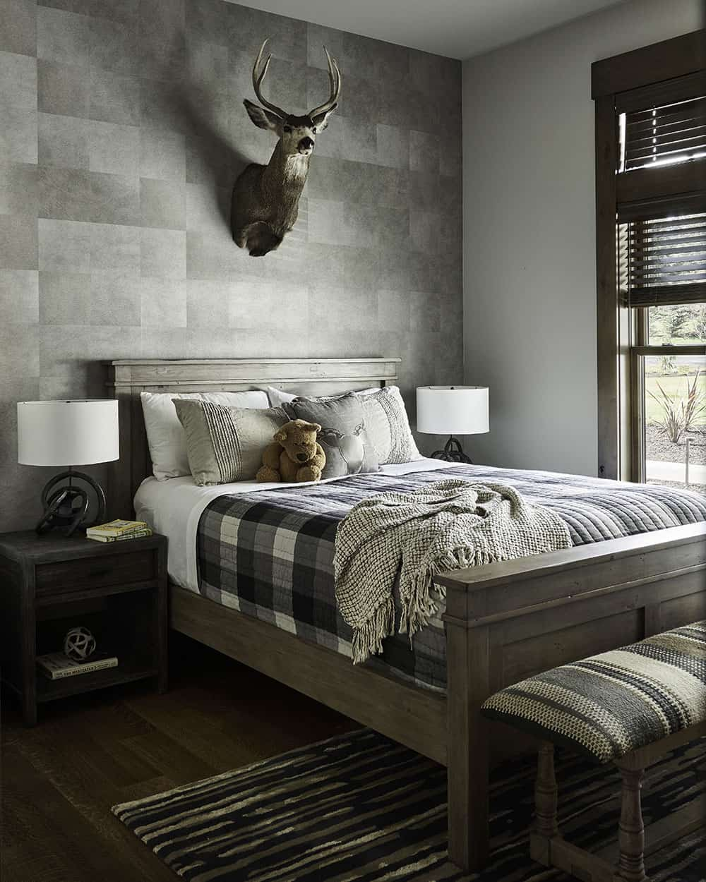 lodge-style-wine-country-home-kids-bedroom