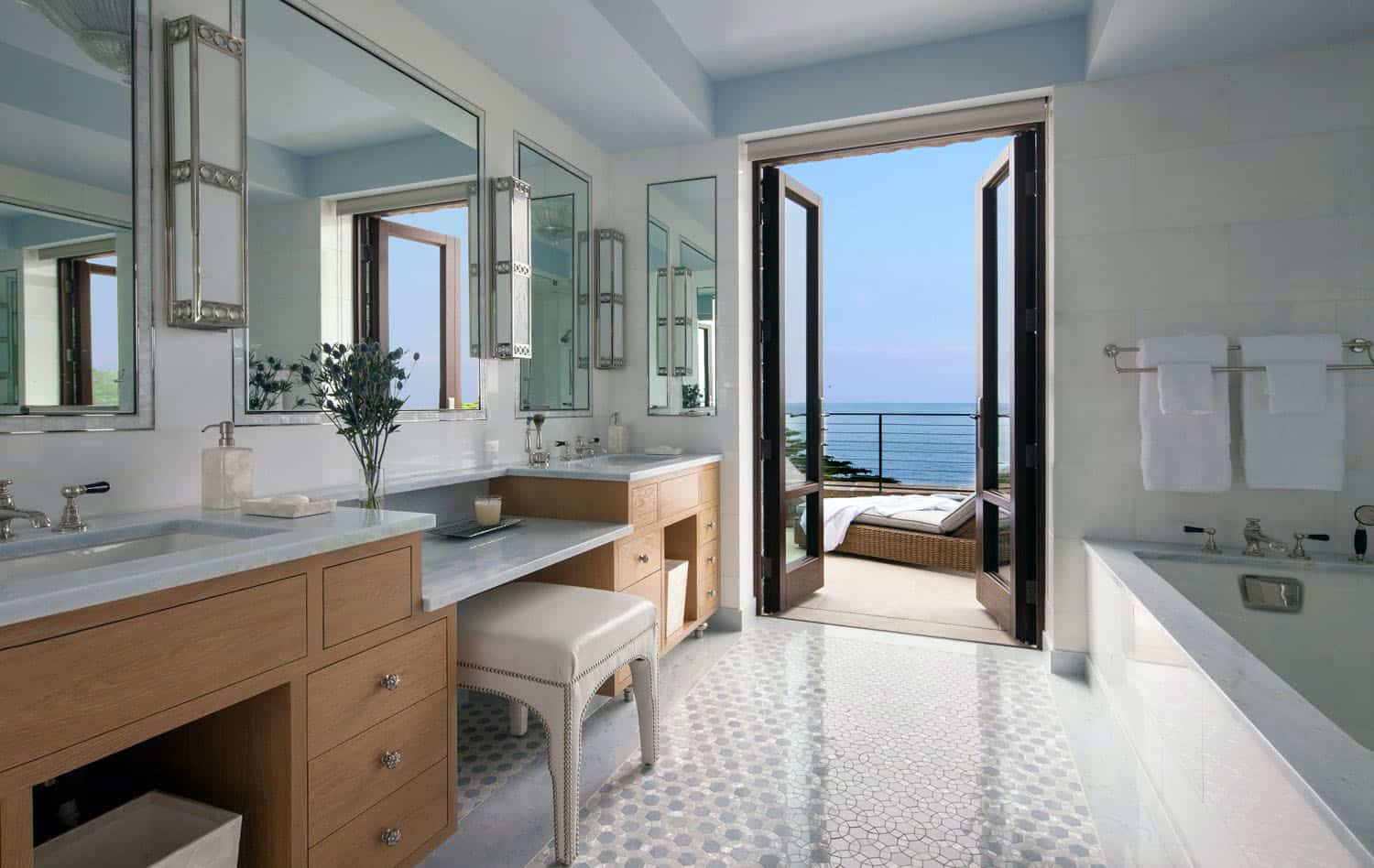 modern-coastal-bathroom