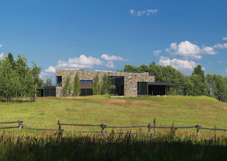 contemporary-mountain-home-landscape