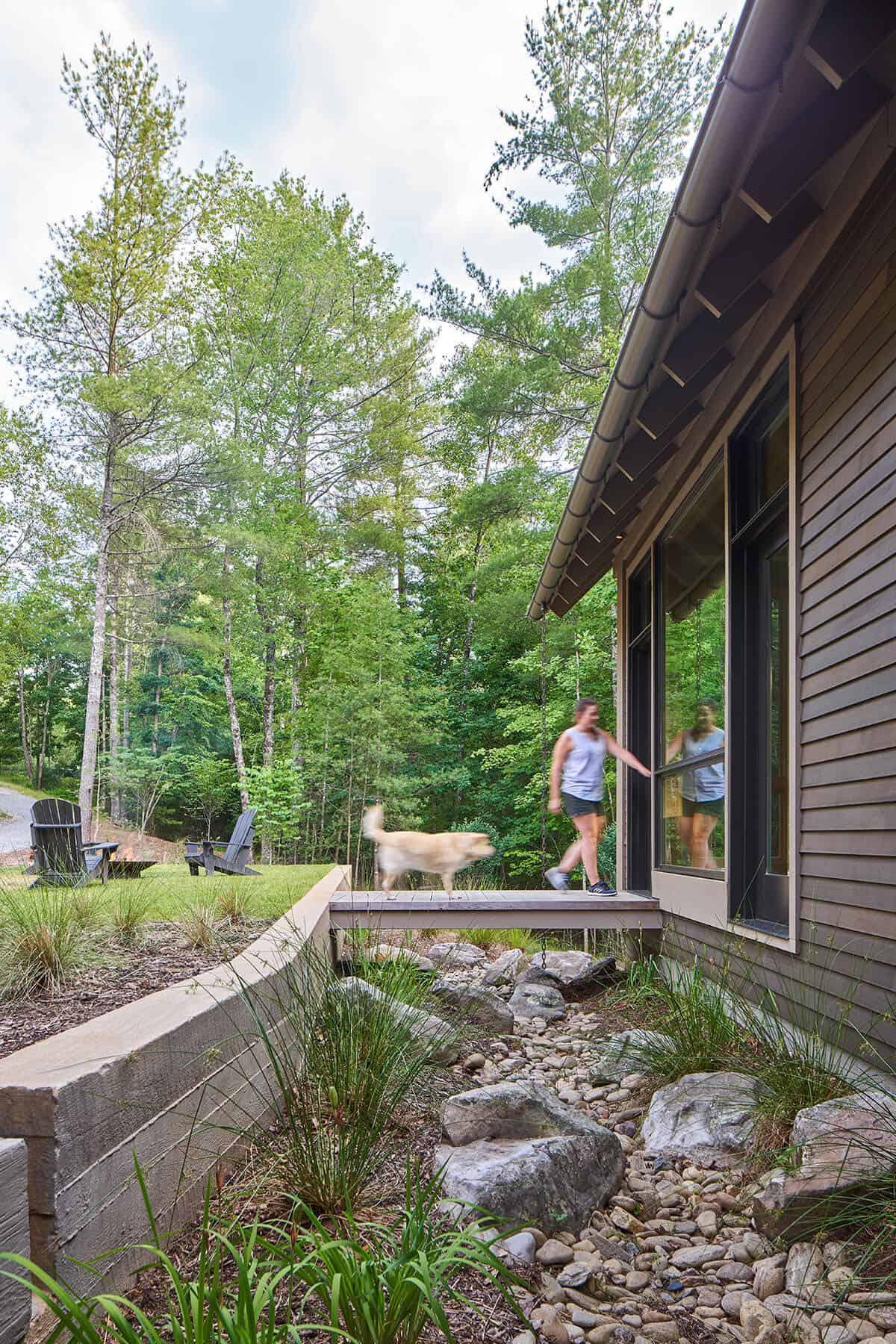 Cabin-Exterior-