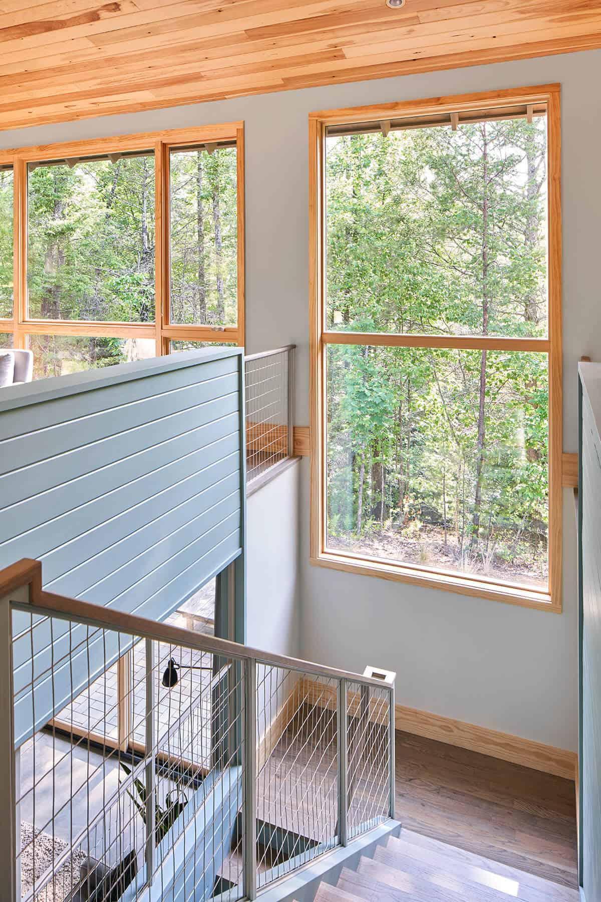 Cabin-Stairwell-Window