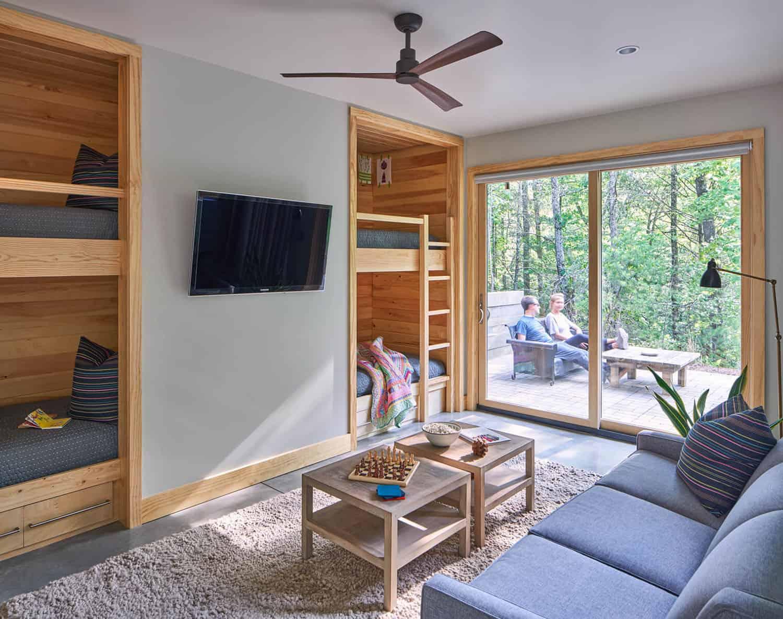 Cabin-Bunk-Room