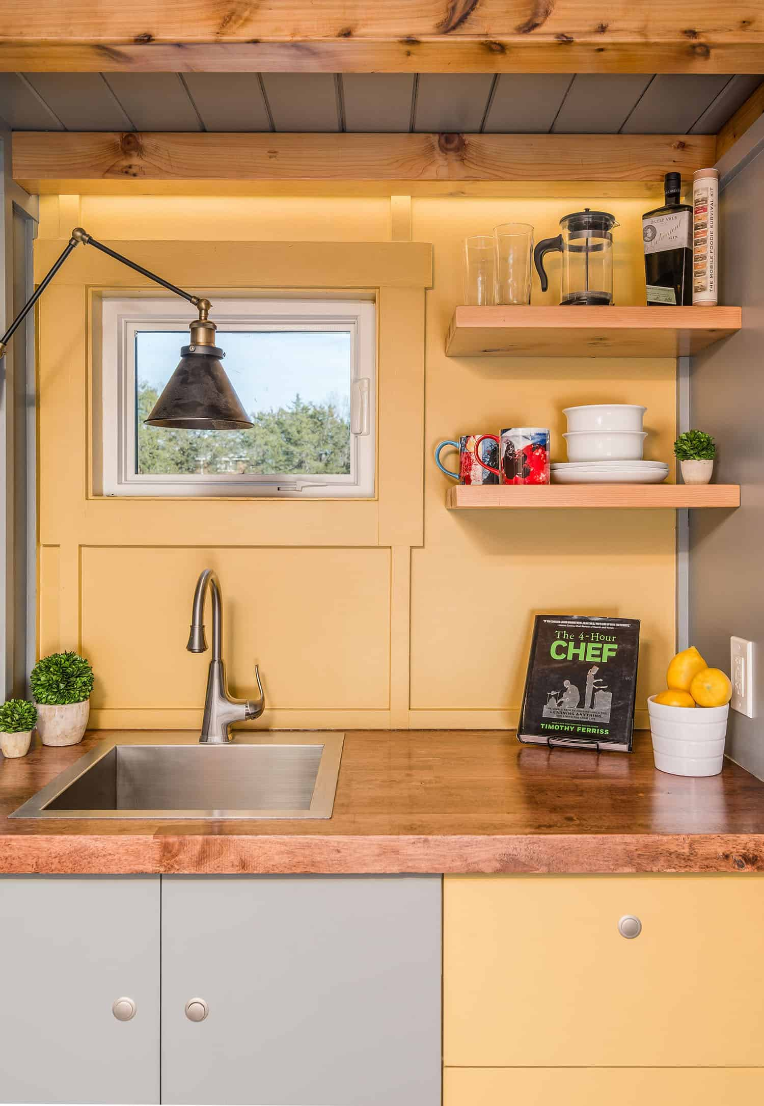 tiny-house-industrial-kitchen