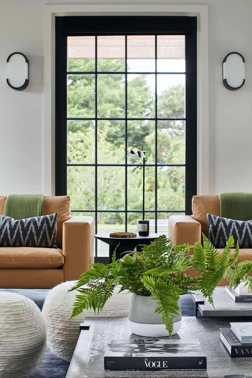 modern-beach-house-living-room