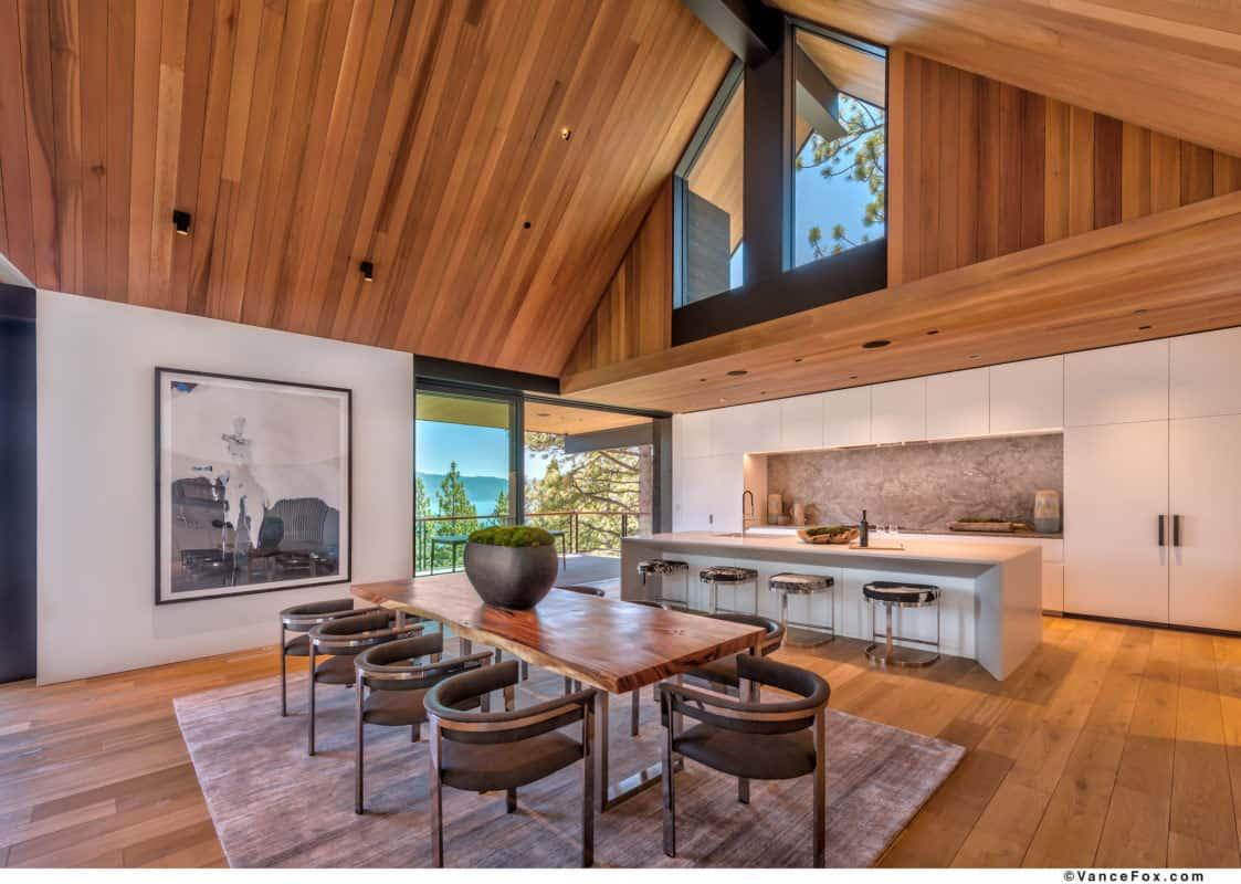 luxury-lakefront-mountain-kitchen
