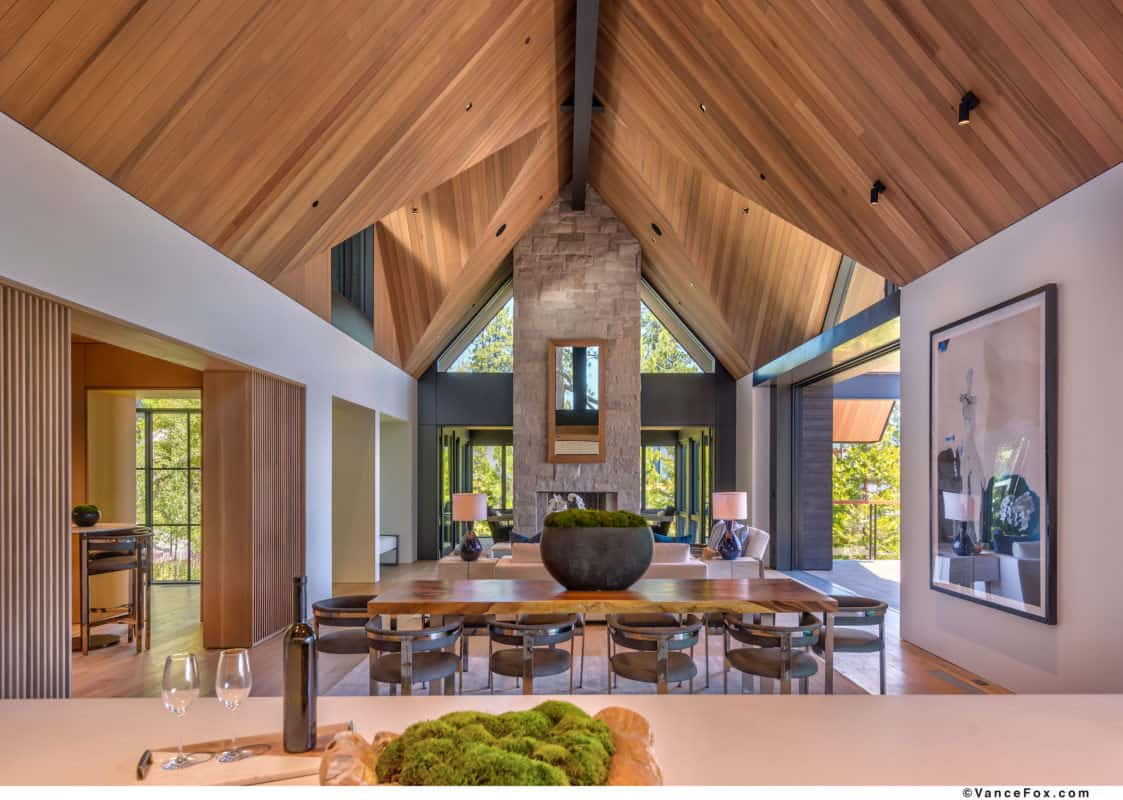 luxury-lakefront-mountain-dining-room