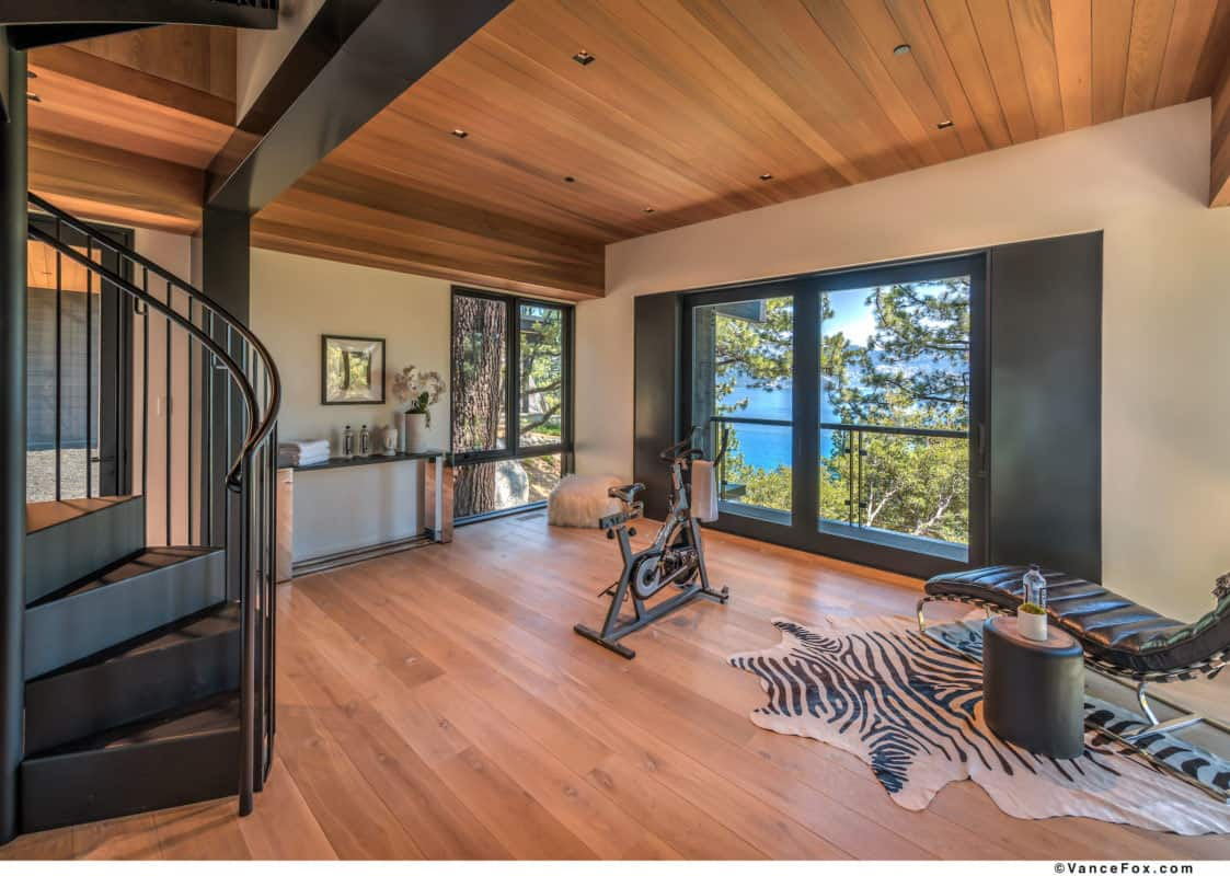 luxury-lakefront-mountain-home-gym