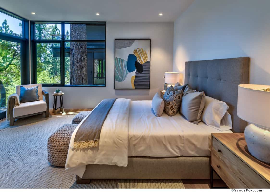 luxury-lakefront-mountain-bedroom