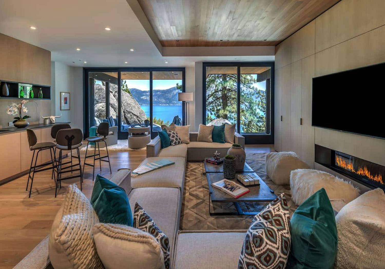 luxury-lakefront-mountain-family-room