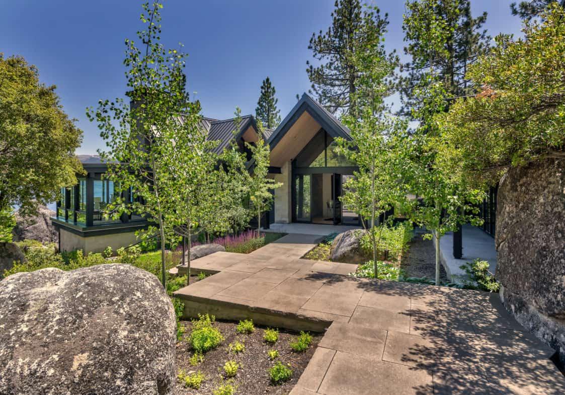 luxury-lakefront-mountain-home-exterior