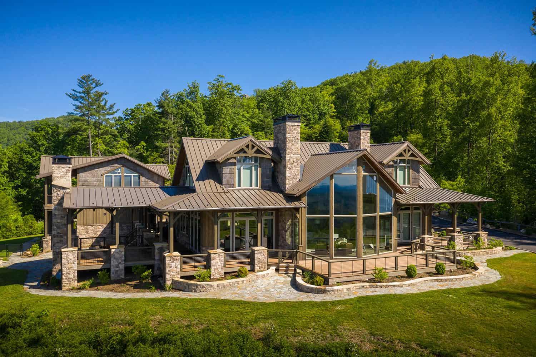 luxury-mountain-home-getaway-rustic-exterior