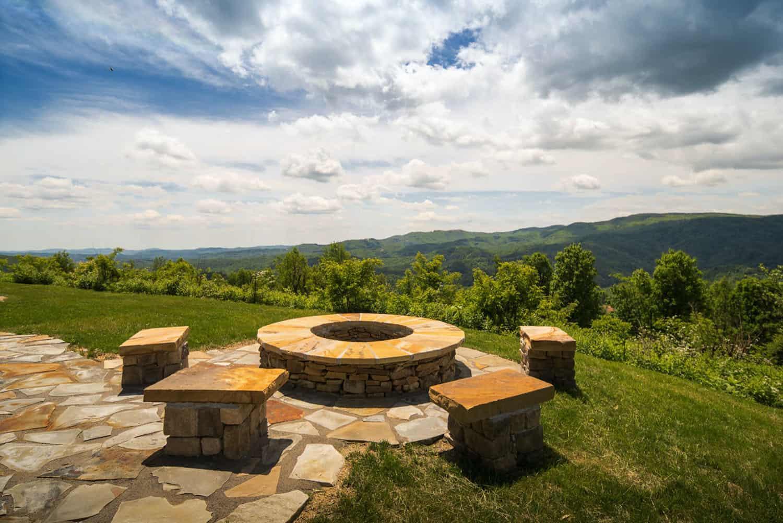 luxury-mountain-home-getaway-rustic-exterior-patio