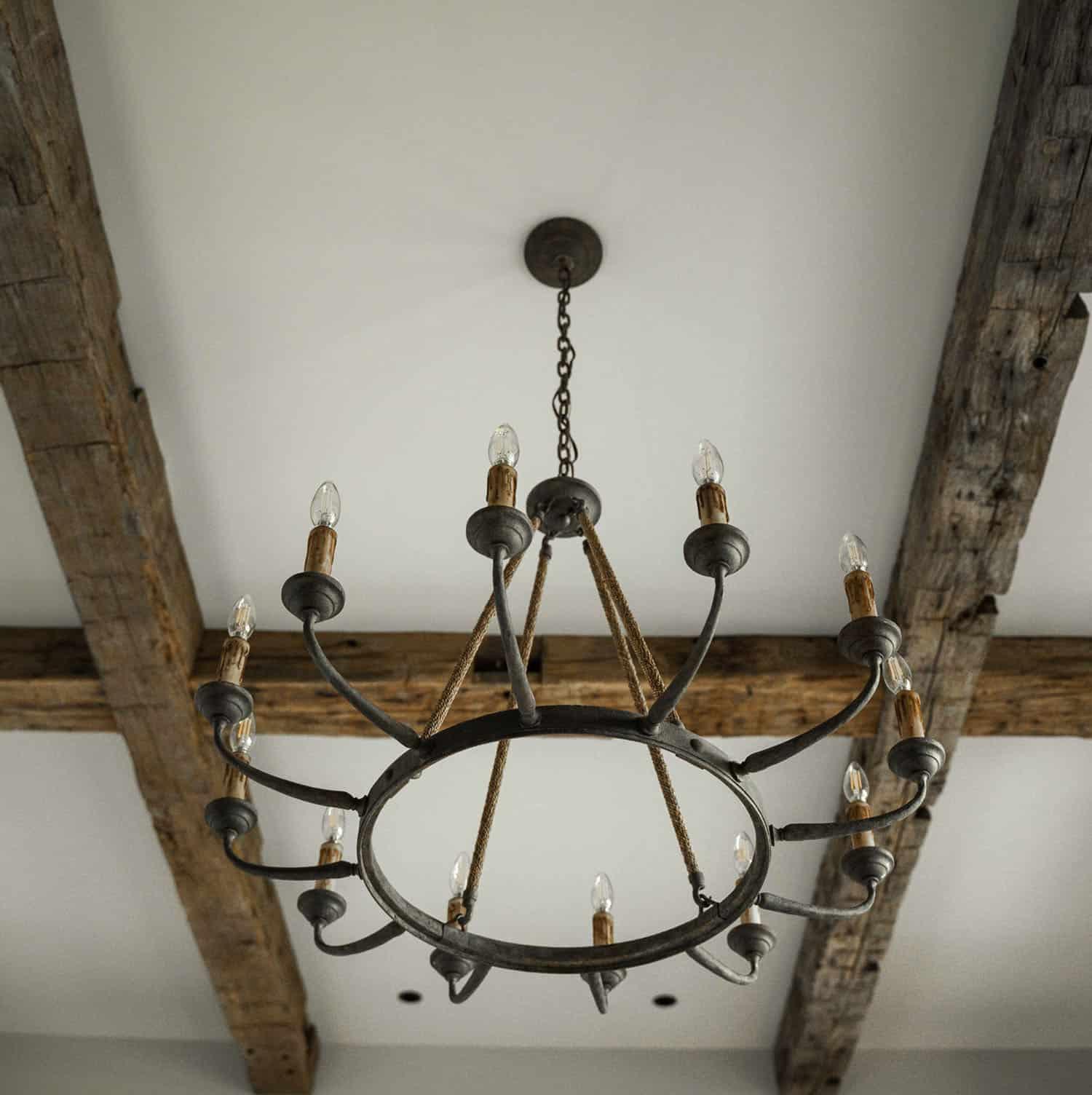 rustic-ceiling-chandelier-detail