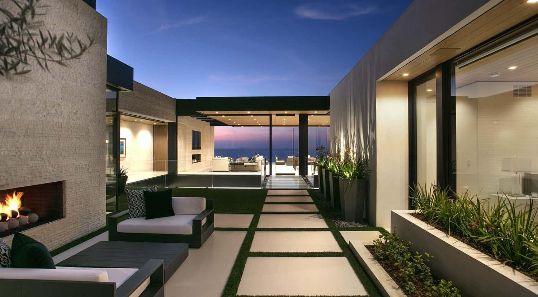 modern-beach-house-entry