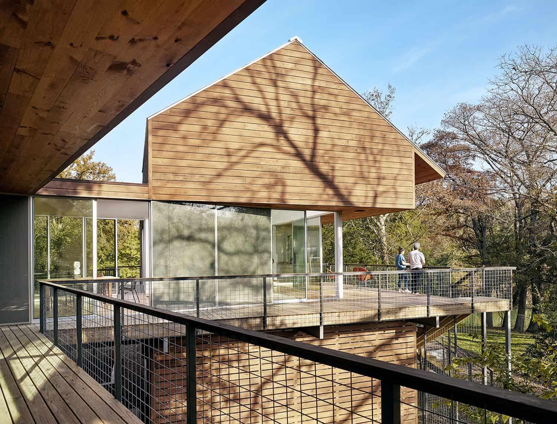 river-house-rustic-porch