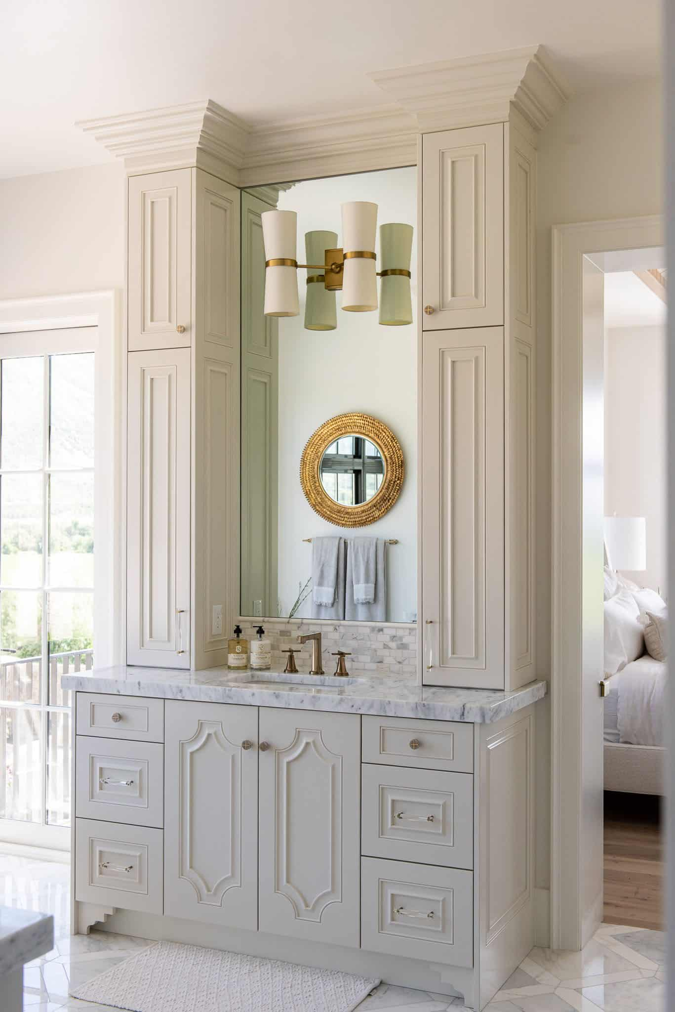 transitional-owners-bathroom