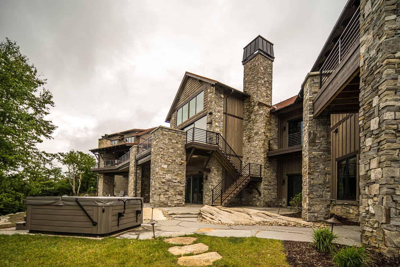 mountain-contemporary-home-patio