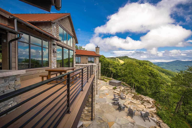 mountain-contemporary-home-balcony