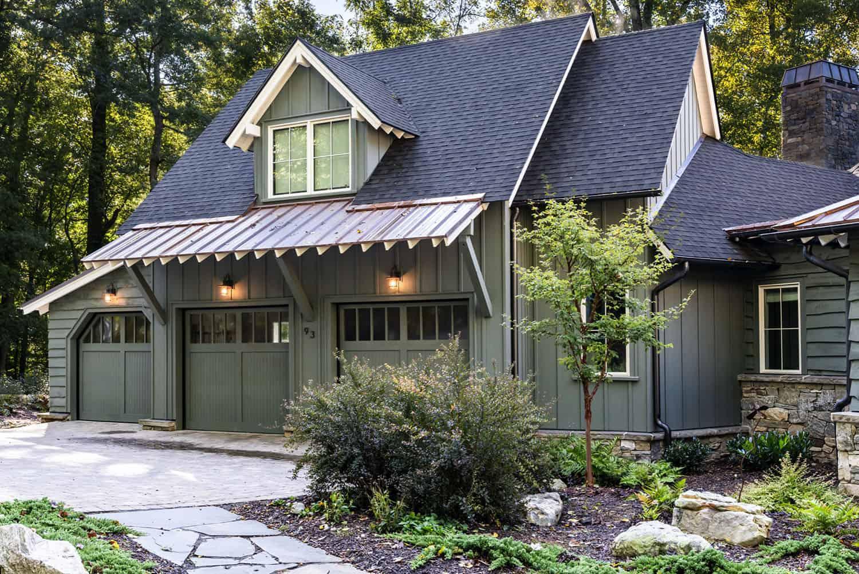mountain-home-garage-exterior
