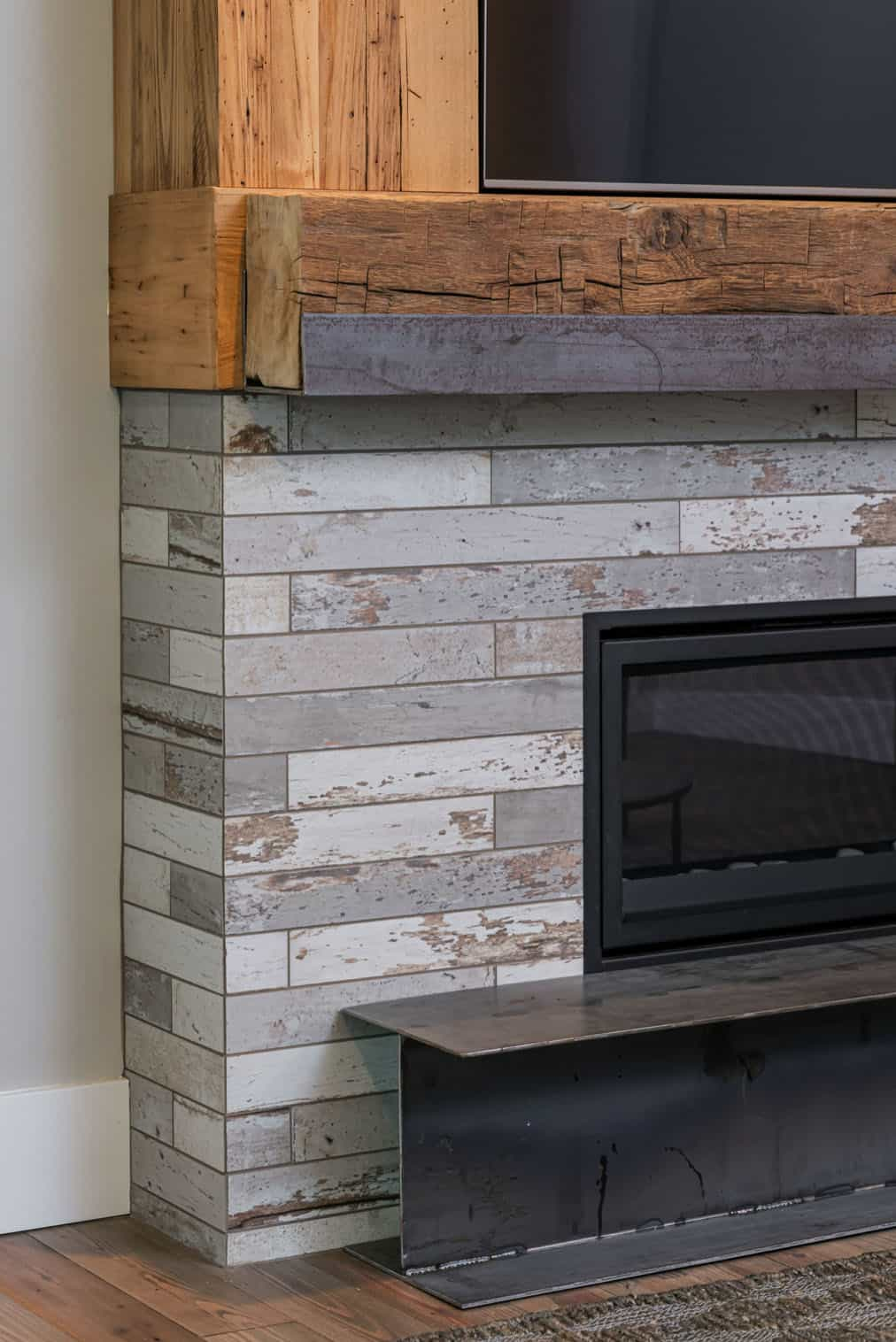 rustic-contemporary-family-room-fireplace