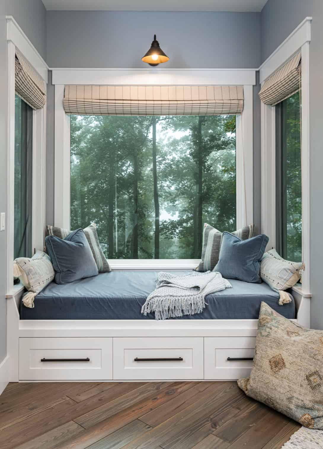 rustic-contemporary-window-seat