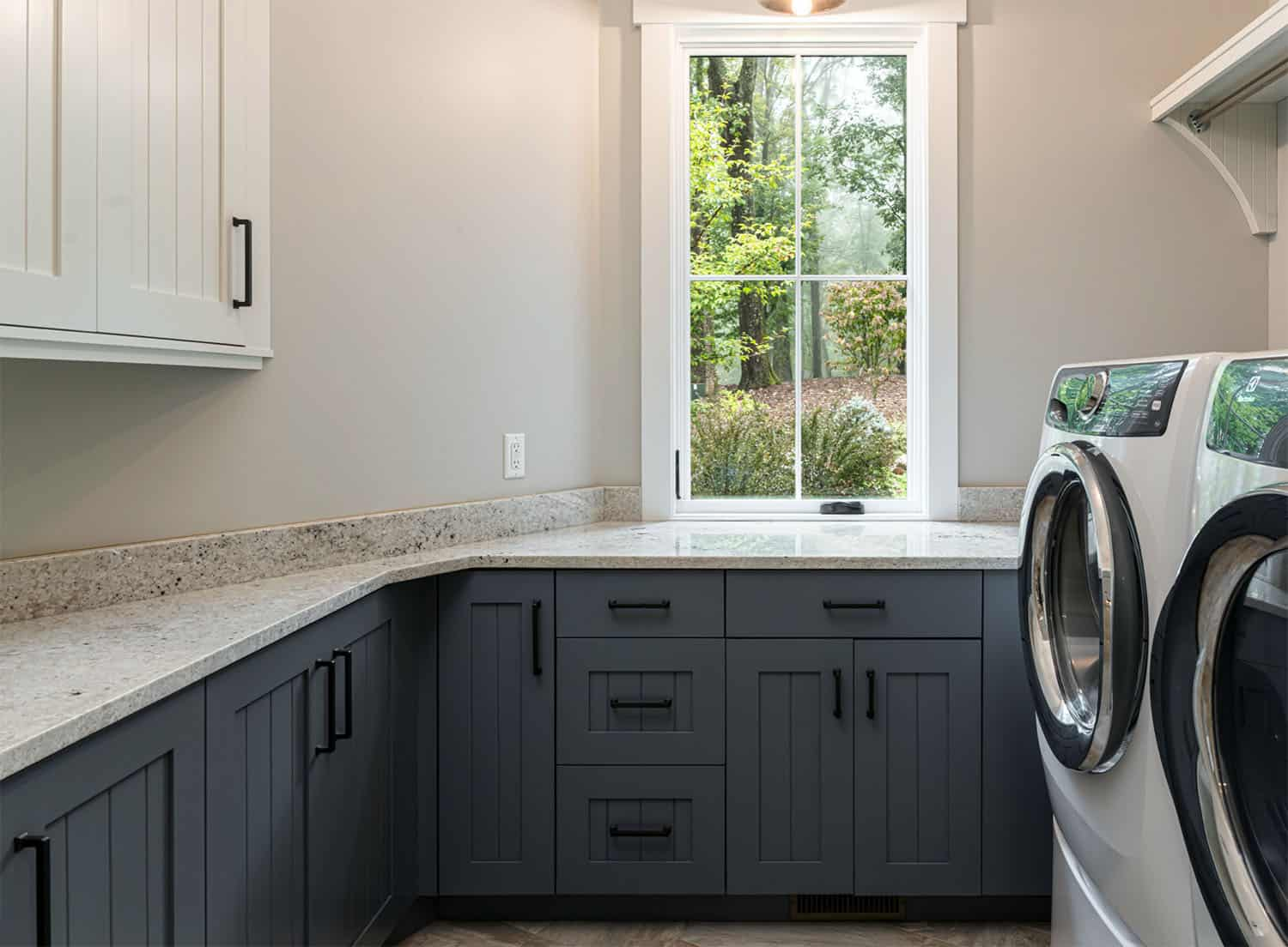 rustic-contemporary-laundry-room