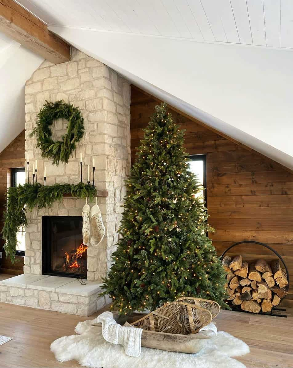 Christmas-Decor-Ideas-Living-Room-Fireplace