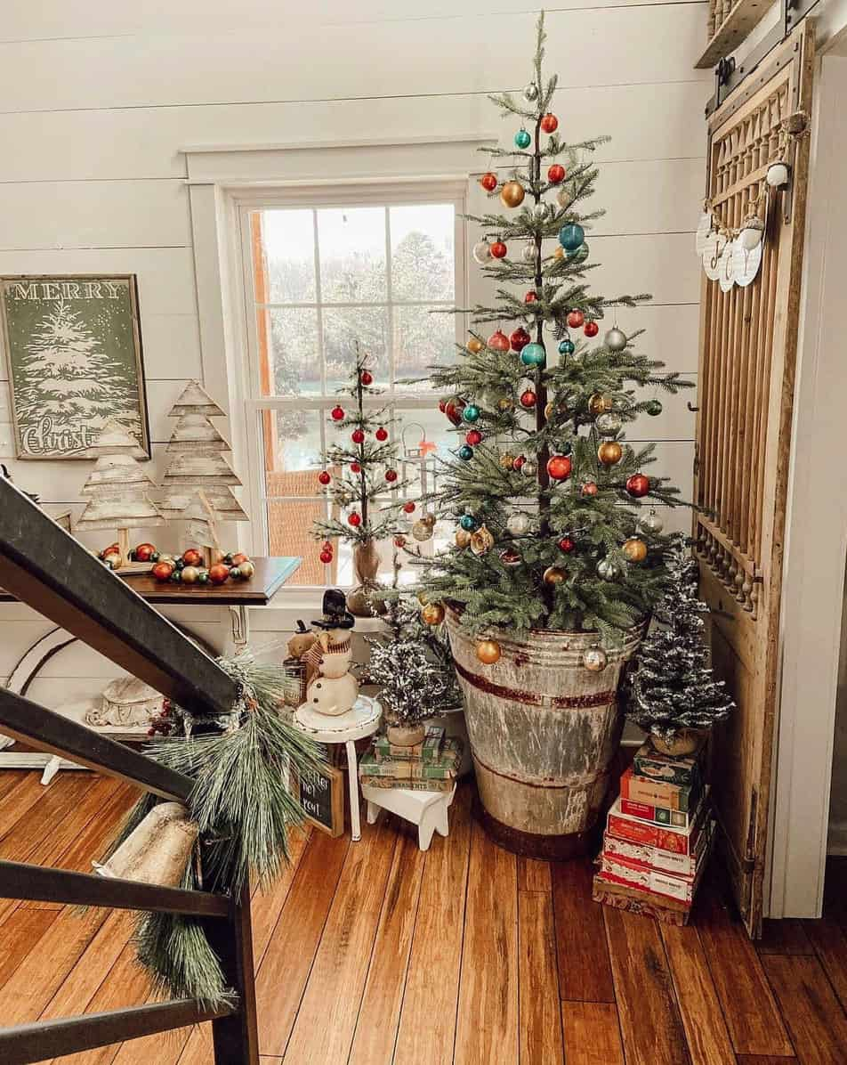 Christmas-Decor-Ideas-Staircase